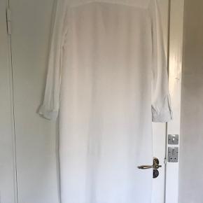 Meget smuk skjorte kjole fra samsøe & samsøe. Kun brugt 1 gang.