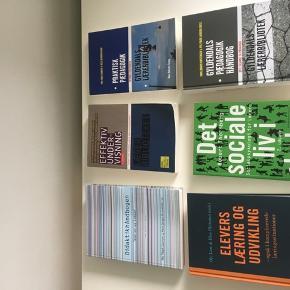 Bøger til læreruddannelsen.