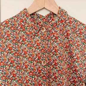 Milsted Shirt i Liberty of London stof. Som Ny. Nypris 2200 dkk.