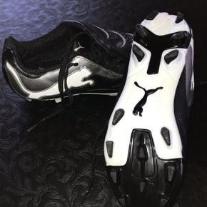 Fodboldstøvler Str. 33