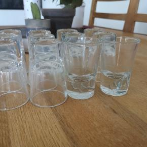 Rosendahl snapse/shotsglas. 6 stk haves. Pris 10 kr pr stk. Sender gerne på købers regning