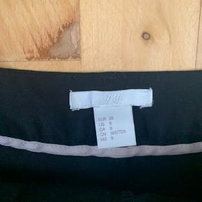 H&M shorts sælges i str. 38 sælges pga. jeg ikke får brugt dem🌼