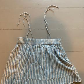 Sælger denne fine lollys laundry top i en størrelse M.  BYD