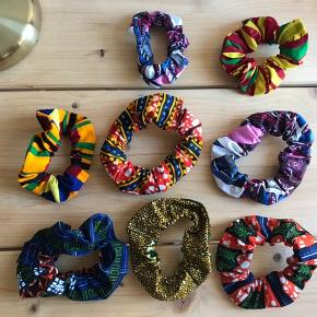 Afro scrunchie by Appiah Handmade scrunchies with fabrics from Ghana.   35 kr for 1 100 kr for 3