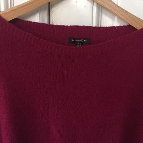 Super lækker strik fra MD  uldmix: 61 uld 34 poliamid 5 elesthane Meget fine ærme med vidde ved håndled