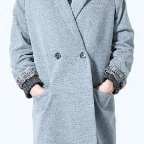 Smuk Zara frakke. Str L. Købspris 1199kr