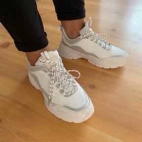 Sneakers fra H&m Helt nye  Størrelse 37