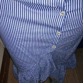 Blå og hvidstribet flot nederdel Livvidde 40 cm