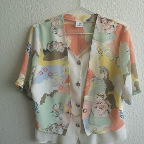 Fineste 80er vintage skjorte/vest sælges, ✨✨✨ størrelsen står i, men vil primært vurdere den til en str. S/M 👈
