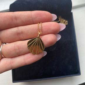 Darling pendant. 14 karat guld. Aldrig brugt, da jeg ikke er så meget til guld 🥇