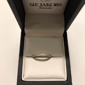 Varetype: Ring Størrelse: 54 Farve: Sølv