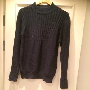 Fin, blå glimmer sweater