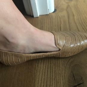 Aldrig brugt loafers fra HM, med lækker sål.