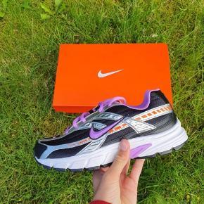 Nike initiator Aldrig brugt Original boks medfølger Størrelse 39