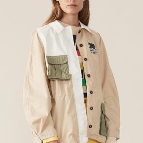 SØGER SØGER SØGER !!  søger denne jakke fra ganni, str xs eller s.