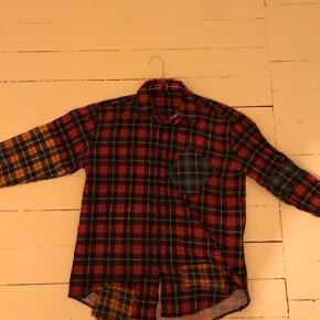 Sælger denne super fede patchwork skjorte da den er en smule for lille til mig.  Mærket er MysteryVision / mystery vision (ikke Zara) Mp.150kr ekskl.fragt Str.L #30daysellout