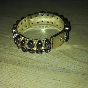 Flot forsølvet bracelet med ægte amethyst ædelstene