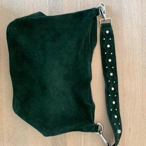 Sælger denne taske fra Unlimit bags. Den er næsten ikke brugt og er i god stand