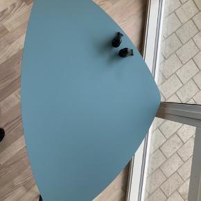 Helt nyt bord, kan komme i kassen igen, H 45 B 120