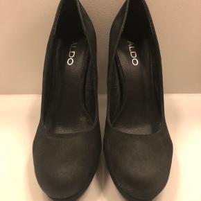 c20db5b326a Højhælede sko med plateau fra Aldo. Aldrig brugt. Hæl: 10cm Plateau: 2cm