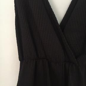 H&M buksedragt 🌼 Str. S - kan reguleres i stropperne   Brugt 2 gange.