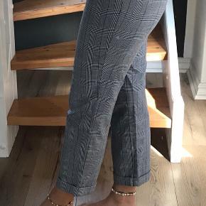 Str 40. Super lækre bukser