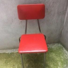 Retro stol  Siddehøjde 43 cm -fast pris -køb 4 annoncer og den billigste er gratis - kan afhentes på Mimersgade 111 - sender gerne hvis du betaler Porto - mødes ikke andre steder  - bytter ikke