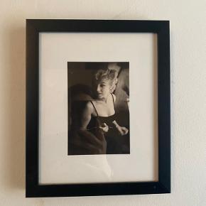 Sælger disse 3 billeder inkl. ramme.  Købt i Ilva 🌺   Stk. Pris 60kr Alle 3 for 250kr 😊