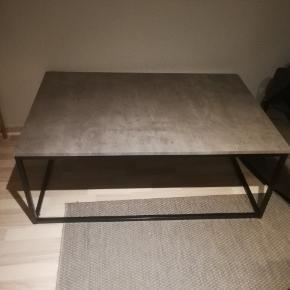 Sofabord fra Jysk sælges. Er desværre blevet beskadiget under flytning. Prisen er sat herefter. Befinder sig I Hinnerup