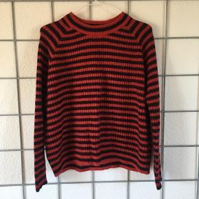 Lækker mørkeblå/rødstribet trøje fra Envii🌼   Str. xs, men passer nemt en s
