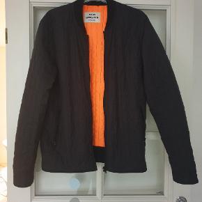 Super fin jakke. Køber betaler ts og porto .