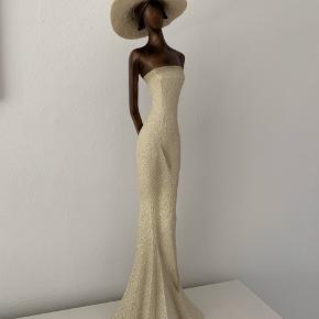 Fin skulptur H: 48 cm