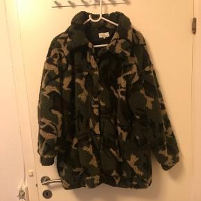 Fed army jakke sælges :) nypris var 500,-