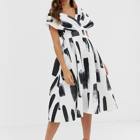 Asos Fallen Shoulder Dress  Great formal event tress, very thick and heavy material, creates an elegant appearance. Size 36-38
