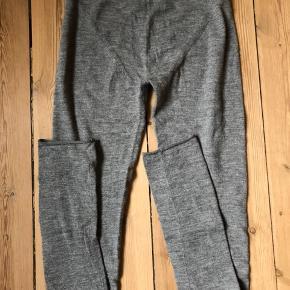 Lækre uld leggings. Ekstra lange ben der smøges op.