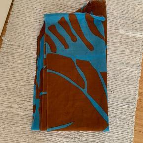 Smukt tørklæde fra Malene Birger  100% uld men stadig lækkert blødt   Mp 300 pp