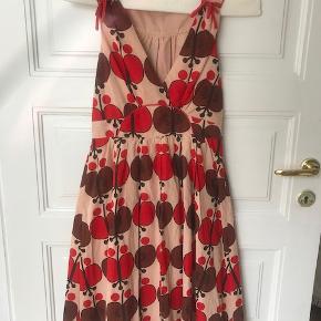 Meget smuk sommer kjole.