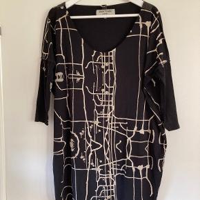 Henriette Steffensen kjole eller nederdel