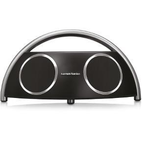 Brand: Harman Varetype: Andet Størrelse: O/S Farve: Black Oprindelig købspris: 2250 kr. Prisen angivet er inklusiv forsendelse.  HARMAN KARDON - TRÅDLØS HØJTALER gamle model, ikke bluetooth. Fungere rigtig fint.   Flot højttaler med kraftig lyd   Høj lydkvalitet 2 Subwoofers og 2 diskant Holdbart design Mulighed for batteridrift