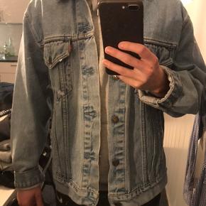 Levis vintage jakke i str. m