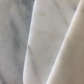 Firkantede marmor smørebrikker/skærebrætter  Prisen er pr stk