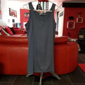 Brand: Nü by staff Varetype: Bluse (75 kr) Farve: Lilla  Flot bluse fra nü by staff, brugt få gange.
