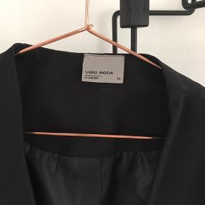 Vero moda blazer i sort, brugt én gang