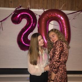 Pink leopard kjole brugt en enkelt aften