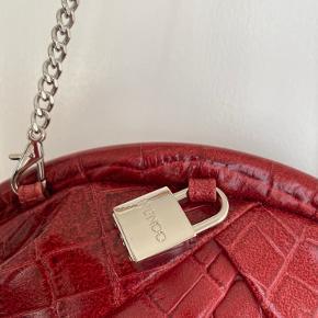 Super lækker ny taske med bla hængelås