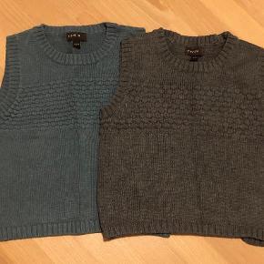Varetype: Vest Farve: Grå  Fine strik veste fra Norlie. Den grå er i en let uldblanding ( 10% uld) Og den grønlige er i bomuldsstrik. Begge super fine❤️ Str 92. Norlie er et udgået mærke og er derfor svært at opstøve efterhånden.
