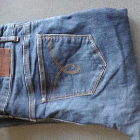 Varetype: Cowboy bukser Størrelse: 32 Farve: Blå  Cowboy bukser fra esprit w 32 L 32. God men brugt. Mp 175