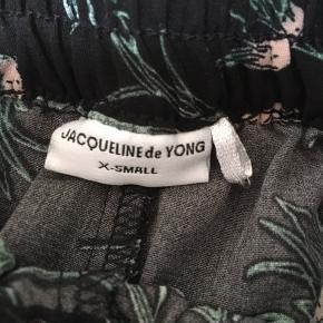 Nogle rigtig fede jacqueline de yong shorts en størrelse 34💖