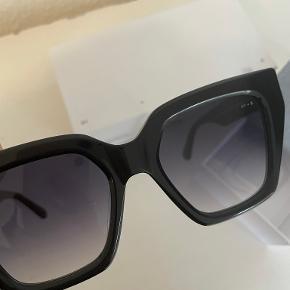 James Ay solbriller