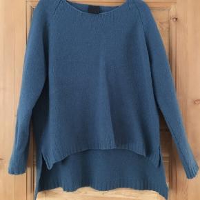 Black Lily sweater